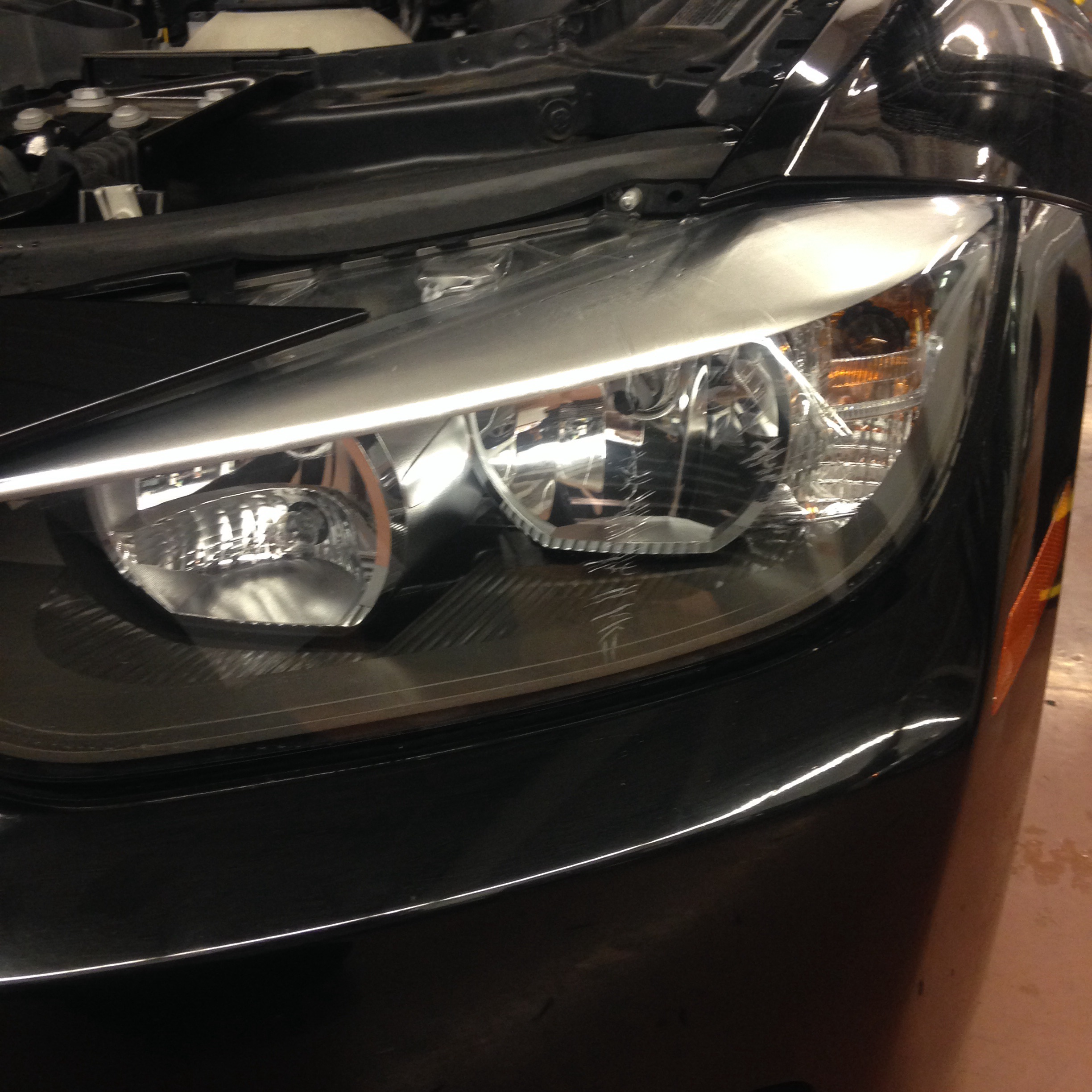 F30 328 cracked headlight | bmwtechnician