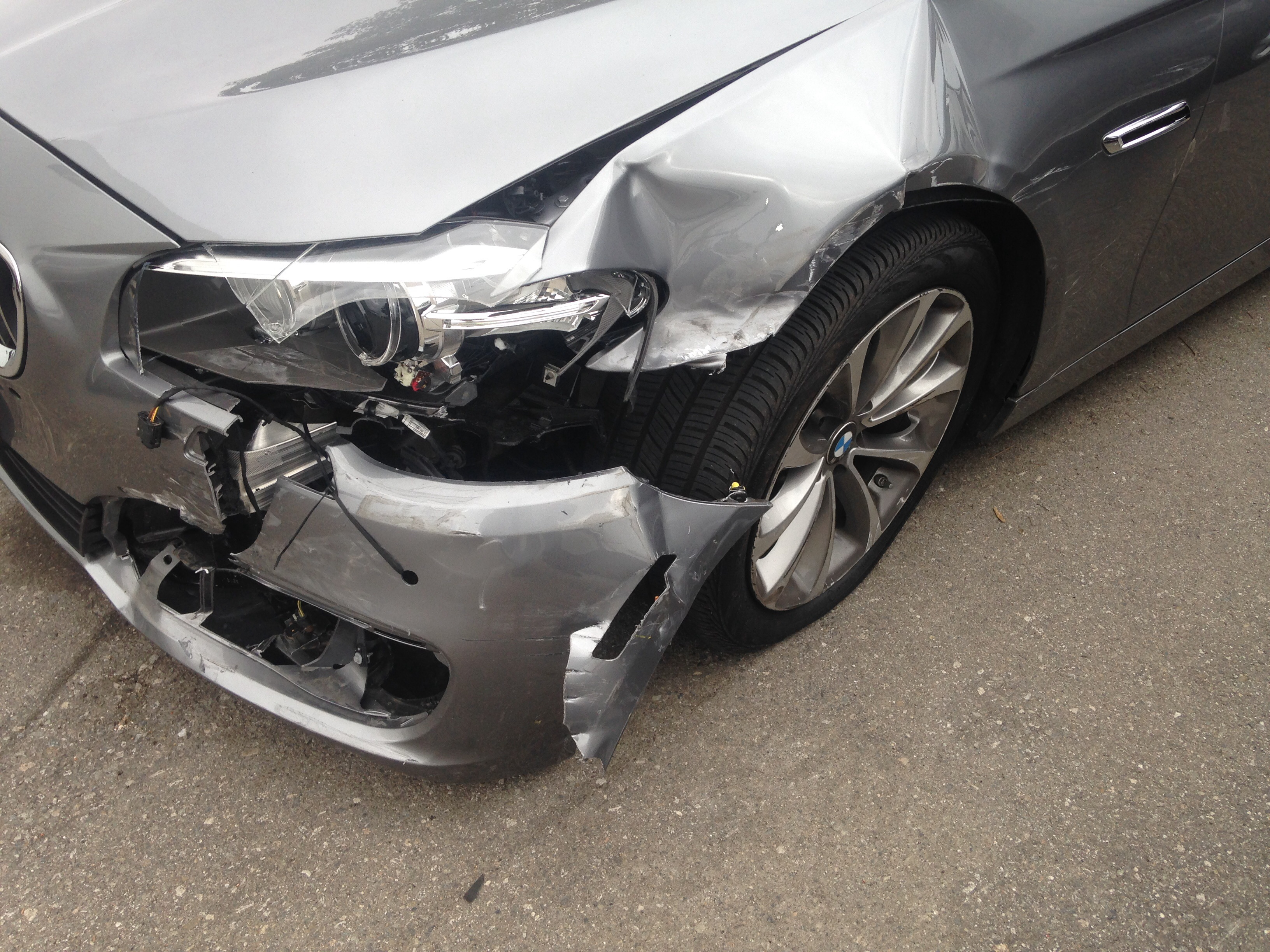 Uncategorized pictures of car accidents bad car - I Know Some Of You Guys Like To See This Stuff So Here Is A F30 With A Little Front Accident Not To Bad On Damage Front Bumper Headlight And Left